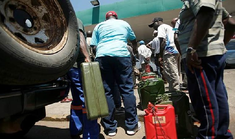 Zimbabwe backtracks on use of fuel containers